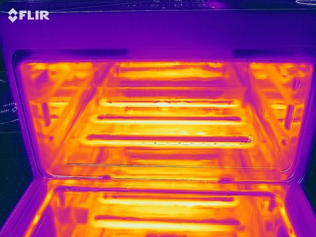 In this thermal image from a FLIR ONE, you can see the three lower heating elements of the Brava clearly